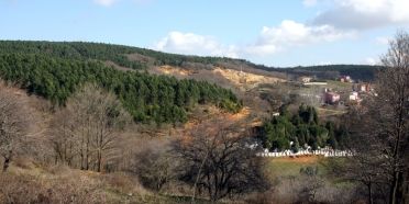 Taş ocağı demek daha fazla bina, yok olan doğa ve köyler demek