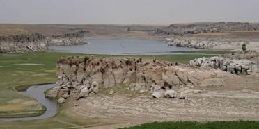 Melendiz Suyu kenarında bir kaya yerleşmesi: Güvercinkayası