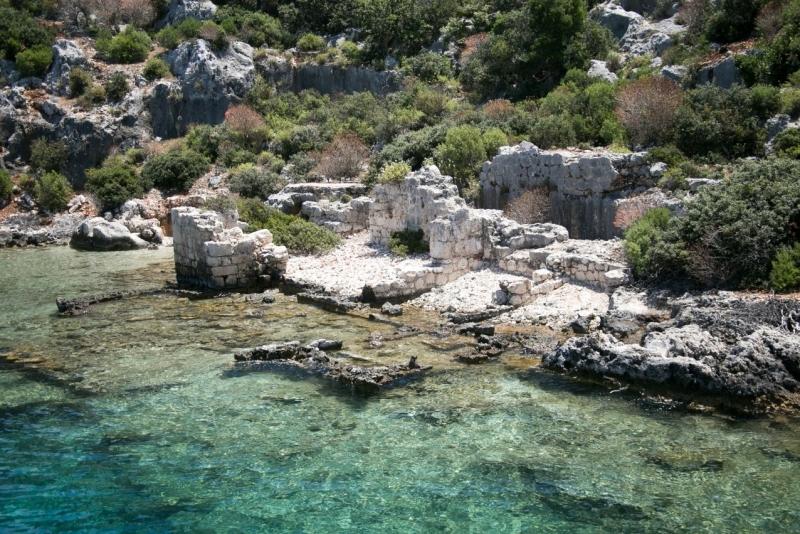Depremler sonucu sular altında kalan Dolichiste Antik Kenti, Kekova