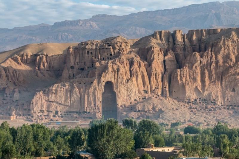Taliban tarafından yıkılan Buddha heykeli, Afganistan