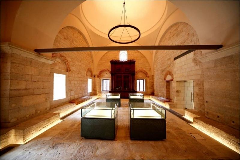 Nadide el yazması eserlerin olduğu Beyazıt Kütüphanesi, İstanbul