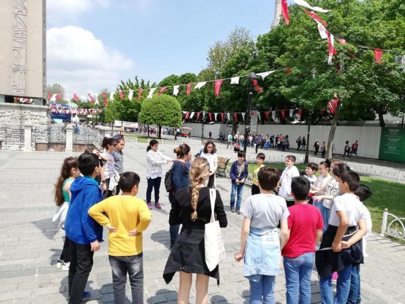 """ÇEKÜL Bilgi Ağacı """"Yapıların Diliyle Kentim: İstanbul"""" Eğitimlerine Başlıyor"""