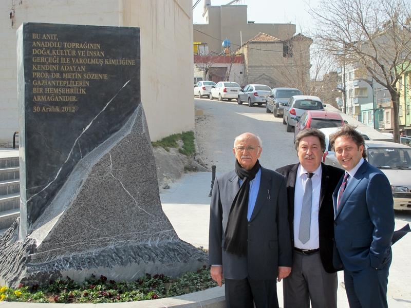 Prof. Dr. Metin Sözen'e Anteplilerden armağan