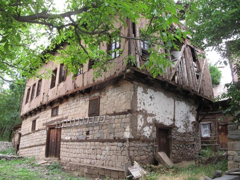 Tamzara Tarihi Yapı