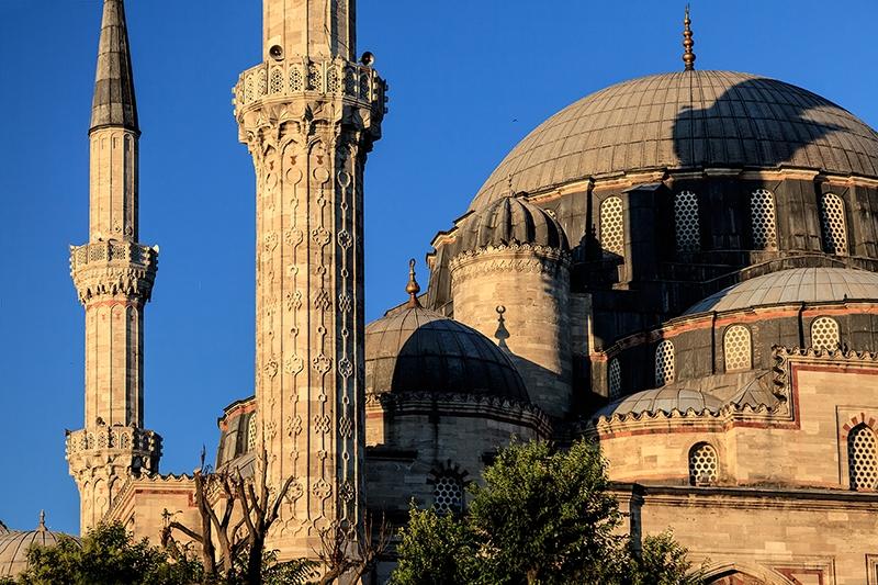 Mimar Sinan'ı saygıyla anıyoruz