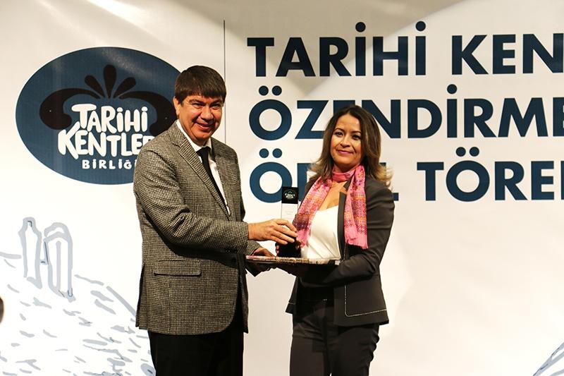 Tarihi kentler ödüllerini YAPEX fuarında aldı